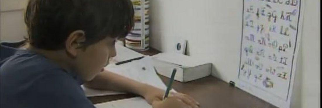 Dificuldade de aprender pode ser sinal de dislexia