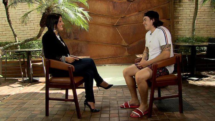 Whindersson Nunes é o entrevistado de Roseann Kennedy