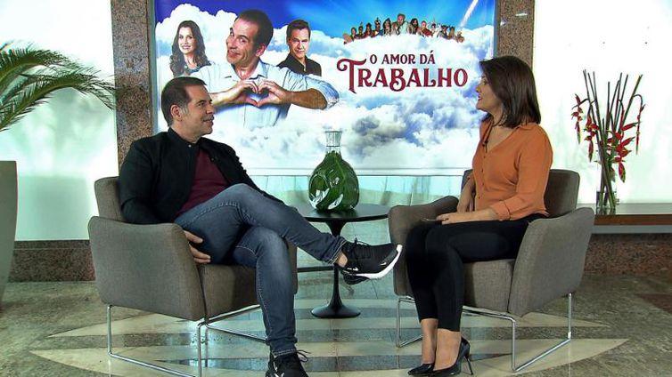 Roseann Kennedy entrevista o ator e comediante Leandro Hassum