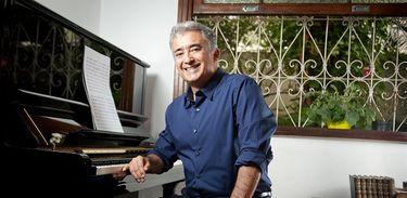 Compositor João Guilherme Ripper