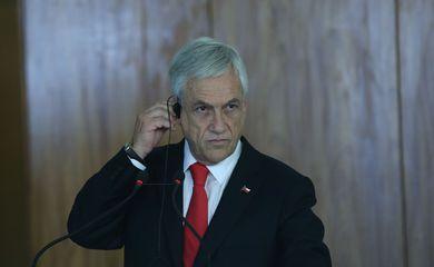 O presidente do Chile, Sebastián Piñera, fala à imprensa no Palácio do Planalto