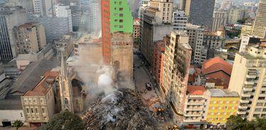 Prédio que desabou após incêndio em São Paulo