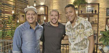Renato da Rocinha e Hamilton Fofão são os convidados de Diogo Nogueira neste Samba na Gamboa
