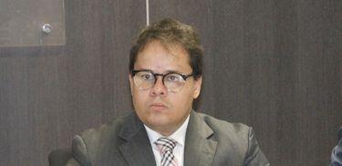 Promotor Carlos Vinícius Alves Ribeiro