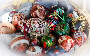 Ovos coloridos, tradição de Páscoa