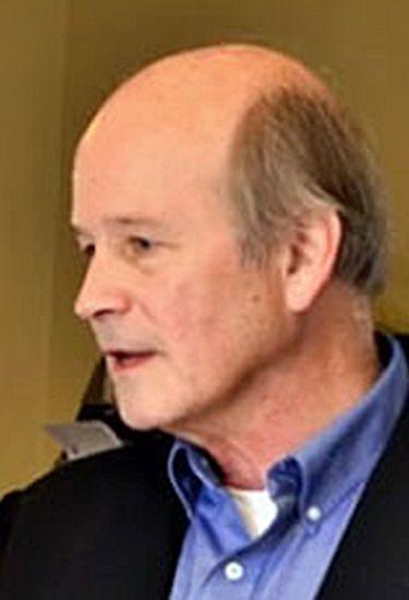 Colin Stewart, do site Erasing 76 Crimes, que denuncia abusos cometidos contra LGBTs onde a homossexualidade é crime