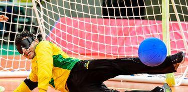 Atleta paralímpico no goalball - Divulgação CPB