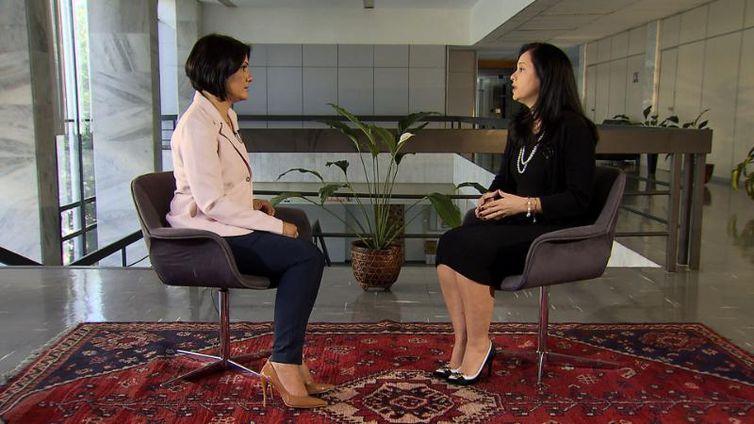 Advogada Geral da União, Grace Mendonça, conversa com Roseann Kennedy