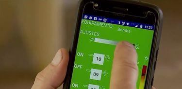 Dois aplicativos, chamados Estufa Inteligente e Temporizador Inteligente, desenvolvidos por estudantes do Instituto Federal de Brasília, permitem ao produtor rural fiscalizar sua plantação pelo celular.