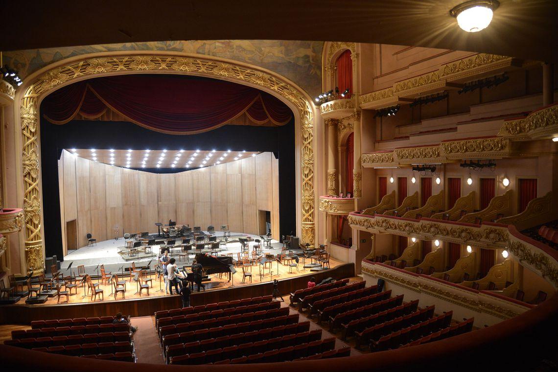 Teatro Municipal do Rio de Janeiro completa 109 anos