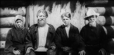 Outubro Soviético exibe O Velho e o Novo