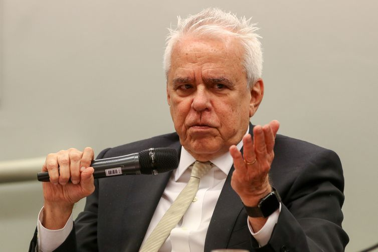 O presidente da Petrobras, Roberto Castello Branco, participa de audiência pública na Comissão de Fiscalização Financeira e Controle da Câmara dos Deputados