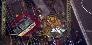 Colisão de trem de passageiros em caminhão deixa um morto no Japão,Trem, linha Keikyu, caminhão, acidente, acidente, colisão, Yokohama, Japão