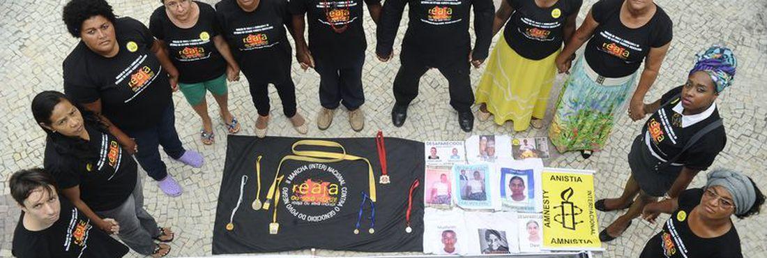 Mães e pais denunciam à Anistia Internacional uma série de crimes de assassinato, sequestro e desaparecimento de jovens negros em Salvador e outras cidades no estado da Bahia