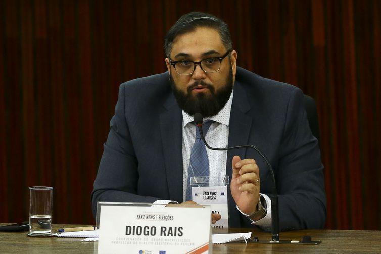 O professor de direito eleitora, Diogo Rais, durante o Seminário Internacional Fake News e Eleições, promovido pelo Tribunal Superior Eleitoral (TSE).