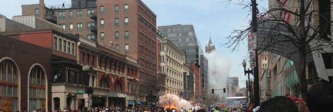 Explosão na linha de chegada da maratona de Boston