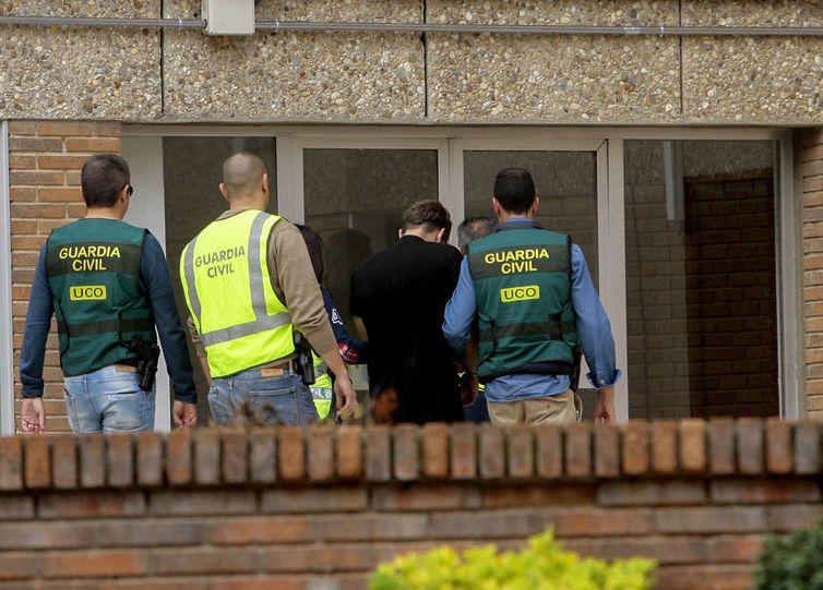 Julgamento do brasileiro que matou familiares na Espanha