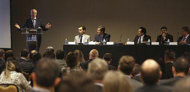 Brasília - O presidente do TST, ministro Ives Gandra fala sobre a reforma trabalhista durante o IX  Encontro Interempresarial de Jurídico Trabalhista (José Cruz/Agência Brasil)