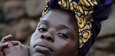 Cantora africana Fattú Djakité é convidada do Sem Censura