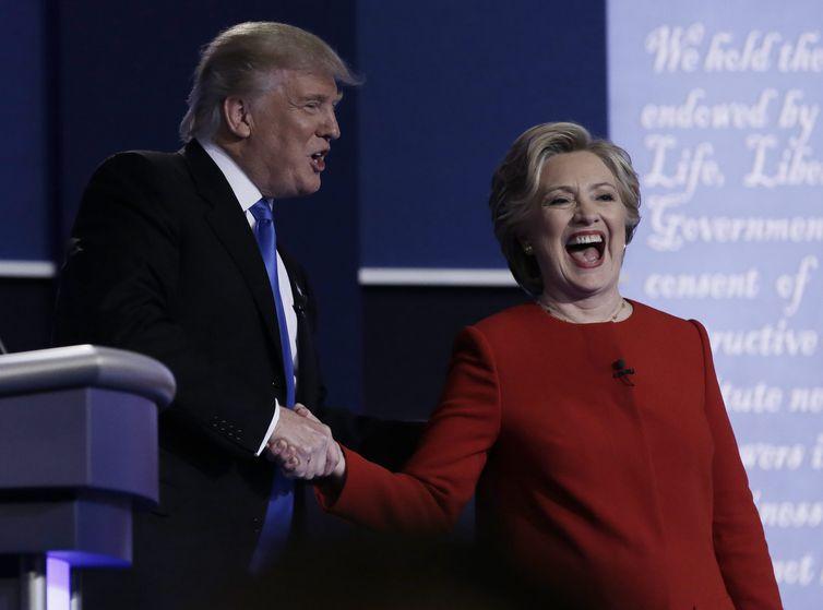 Os candidatos à presidência norte-americana o republicano Donald Trump e democrata Hillary Clinton, em debate televisivo