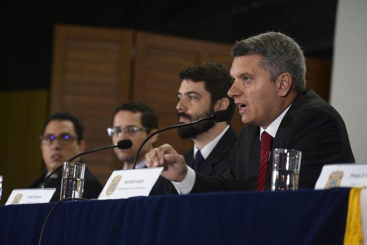 O superintendente da Polícia Federal, Ricardo Saadi, durante apresentação do laudo das causas do incêndio que atingiu o Museu Nacional do Rio de Janeiro.