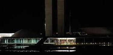 O Congresso Nacional é um dos monumentos que apagaram as luzes como parte da mobilização da Hora do Planeta, liderada pela ONG WWF (Elza Fiuza/Agência Brasil)