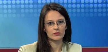 Professora Esther Solano