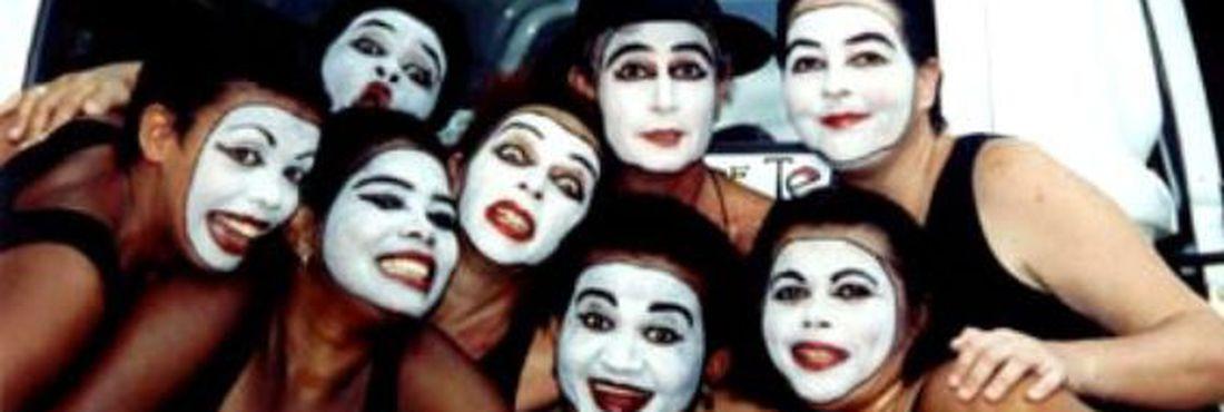 Grupo de teatro Loucas de Pedra Lilás