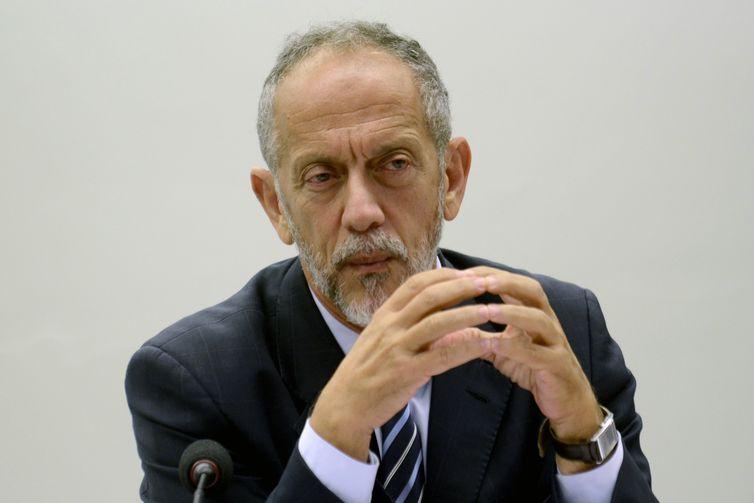 O secretário-geral da Confederação Brasileira de Futebol (CBF), Walter Feldman, participa de audiência pública na Câmara dos Deputados sobre o abuso sexual infantil nas categorias de base.