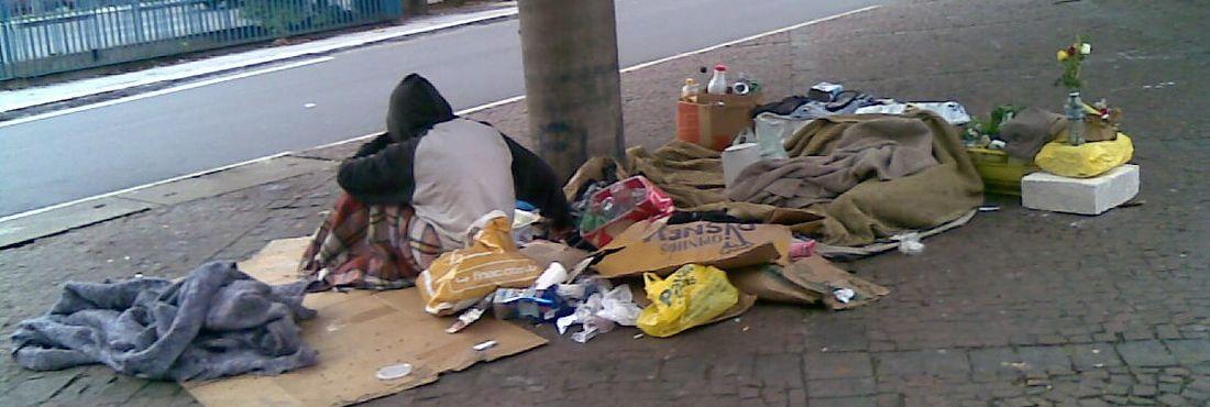 morador de rua no frio
