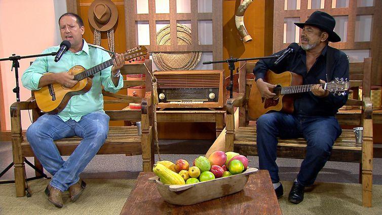 Grampão & Tiãozinho cantam uma moda de viola no Brasil Caipira