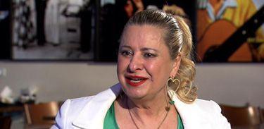 """Lilian Gonçalves homenageia o pai: """"Nelson Gonçalves jamais poderá ser esquecido""""."""