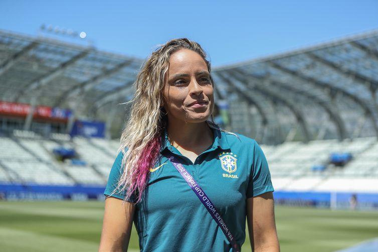 A zagueira Mônica será a capitã do Brasil no jogo de estreia na Copa do Mundo de Futebol Feminino - França 2019.