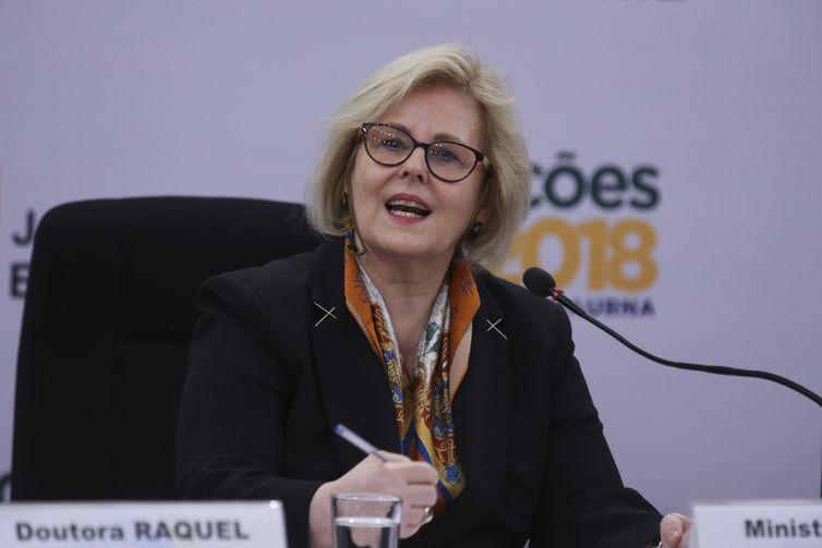 TSE pede paz a representantes de Bolsonaro e Haddad