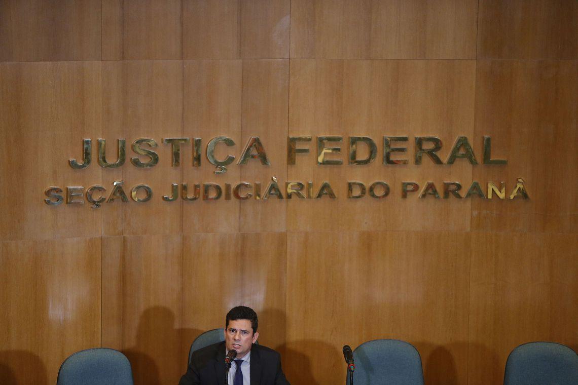 Futuro ministro da Justiça, Sergio Moro concede primeira entrevista coletiva