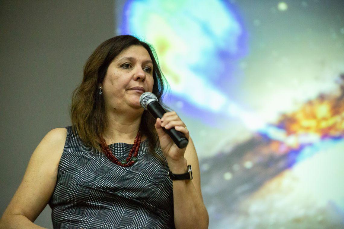Astrônoma e astrofísica Duília de Mello