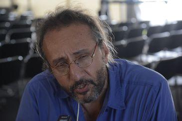 O pesquisador da Associação Brasileira de Saúde Coletiva (Abrasco), Marcelo Firpo após lançamento da atualização do dossiê contra os agrotóxicos no 12º Congresso Brasileiro de Saúde Coletiva, na Fiocruz.
