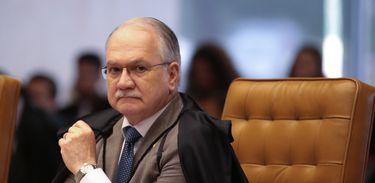 Brasília - Ministro Edson Fachin na sessão para definir a tese de repercussão nas ações que tratam da desaposentação  (José Cruz/Agência Brasil)