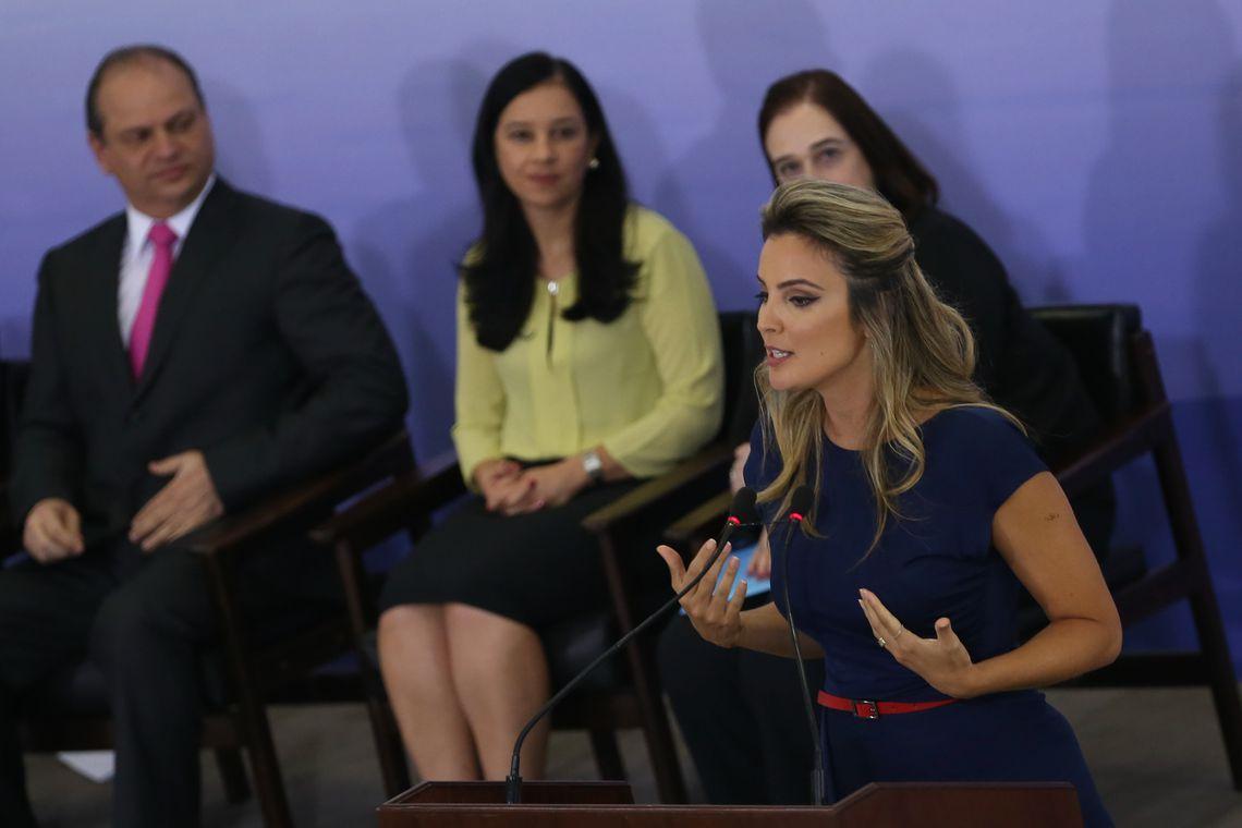 Brasília - A primeira-dama, Marcela Temer, em cerimônia de comemoração pelo Dia Internacional da Mulher, defendeu o fim da intolerância contra as mulheres, no Palácio do Planalto (Valter Campanato/Agência Brasil)