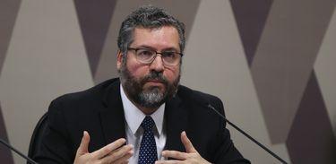 O ministro das Relações Exteriores, Ernesto Araújo, participa de audiência pública, na Comissão de Relações Exteriores do Senado.