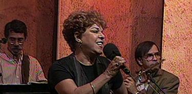Grandes Musicais exibe show da cantora Miúcha