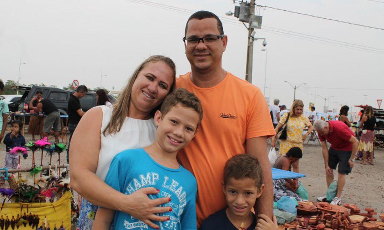 Família de Mônica Machado viajou de Gurupi (TO) para prestigiar a abertura dos Jogos, mas, sem ingresso, acabou voltando para casa mais cedo. Foto: Cibele Tenório / Portal EBC