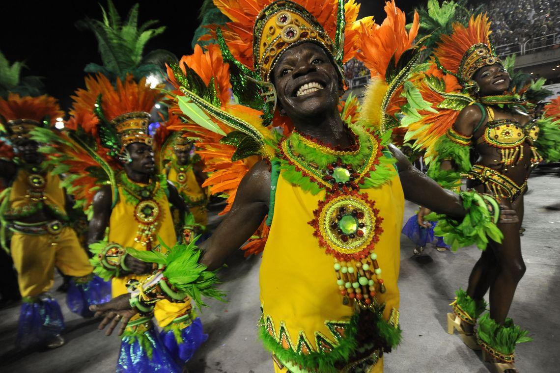 Rio de Janeiro - Escolas de samba do Grupo Especial se apresentam no Sambódromo da Marquês de Sapucaí, no segundo dia de desfiles (Fernando Frazão/Agência Brasil)