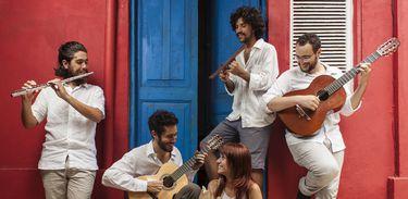 Luísa Lacerda e Quarteto Geral no Cena Musical