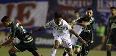 O Nacional-URU venceu o jogo por três a zero
