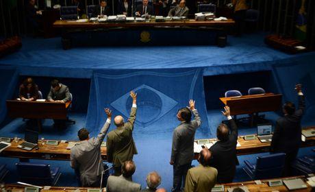 Senado examina destaques ao texto da PEC do Orçamento Impositivo
