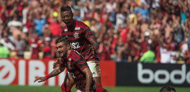 Flamengo 6 x 1 Goiás