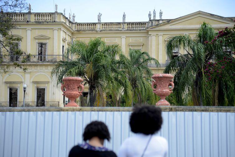 Museu Nacional exibe parte de seu acervo educativo e didático ao público, no parque da Quinta da Boa Vista.