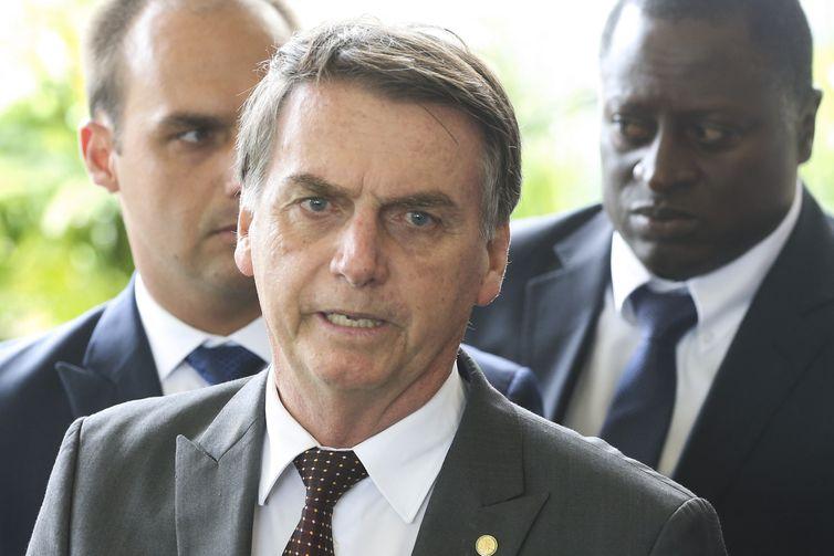 O presidente eleito Jair Bolsonaro concede entrevista à imprensa no CCBB.