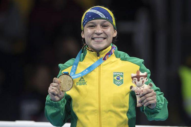 A brasileira Beatriz Ferreira durante a luta contra a argentina Erika Sanchez. A brasileira conquistou a medalha de ouro na competição Jonne Roriz/COB/Divulgação